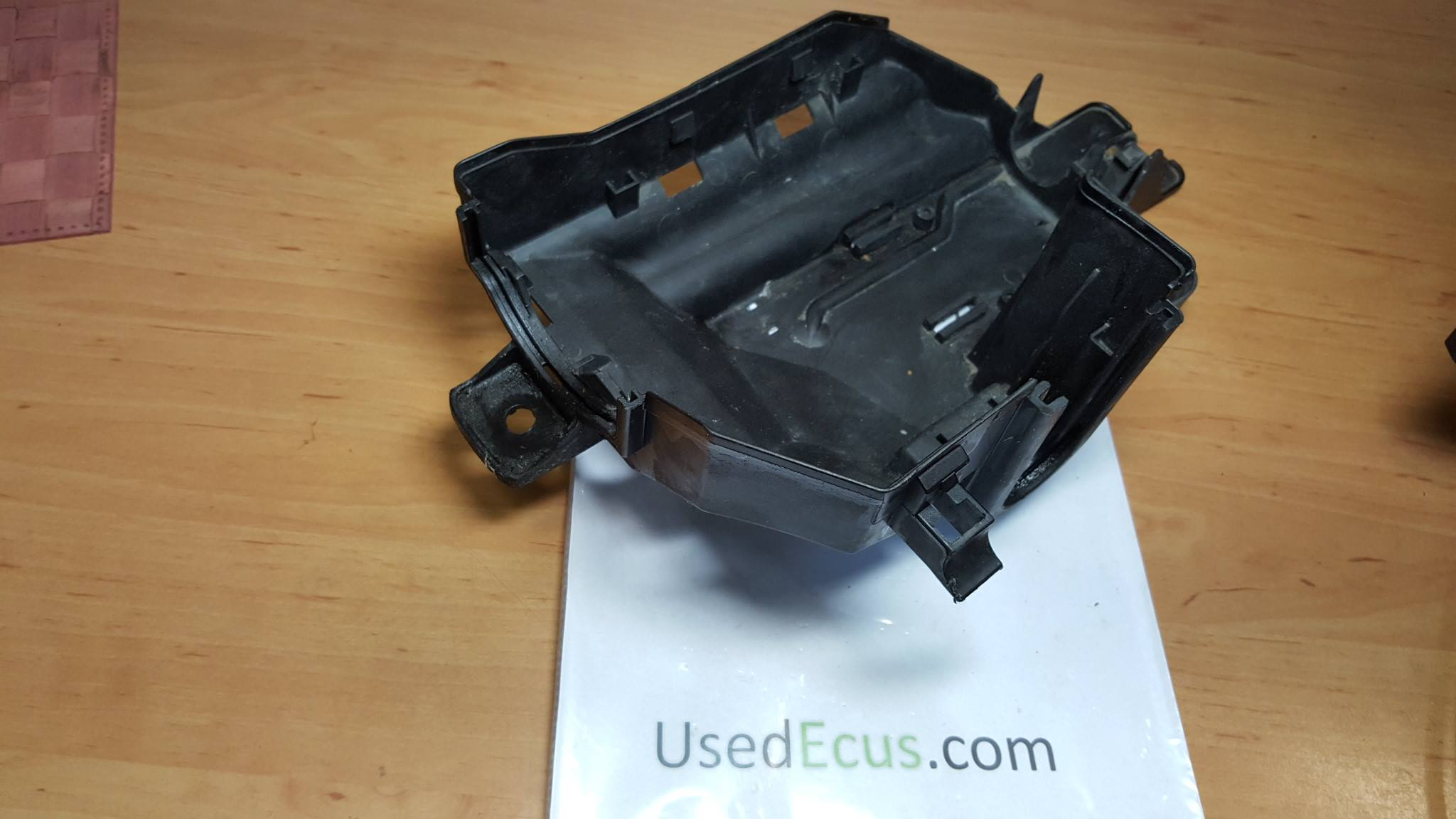 Volvo S60 V70 Front Under Hood Computer Ecu Fuse Box In Article 9452547