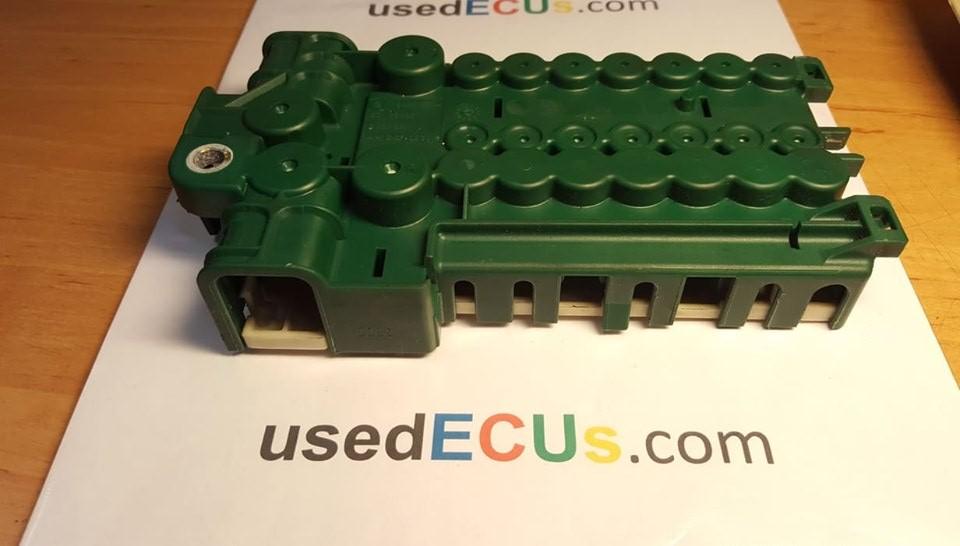 on 03 bmw x5 fuse box location