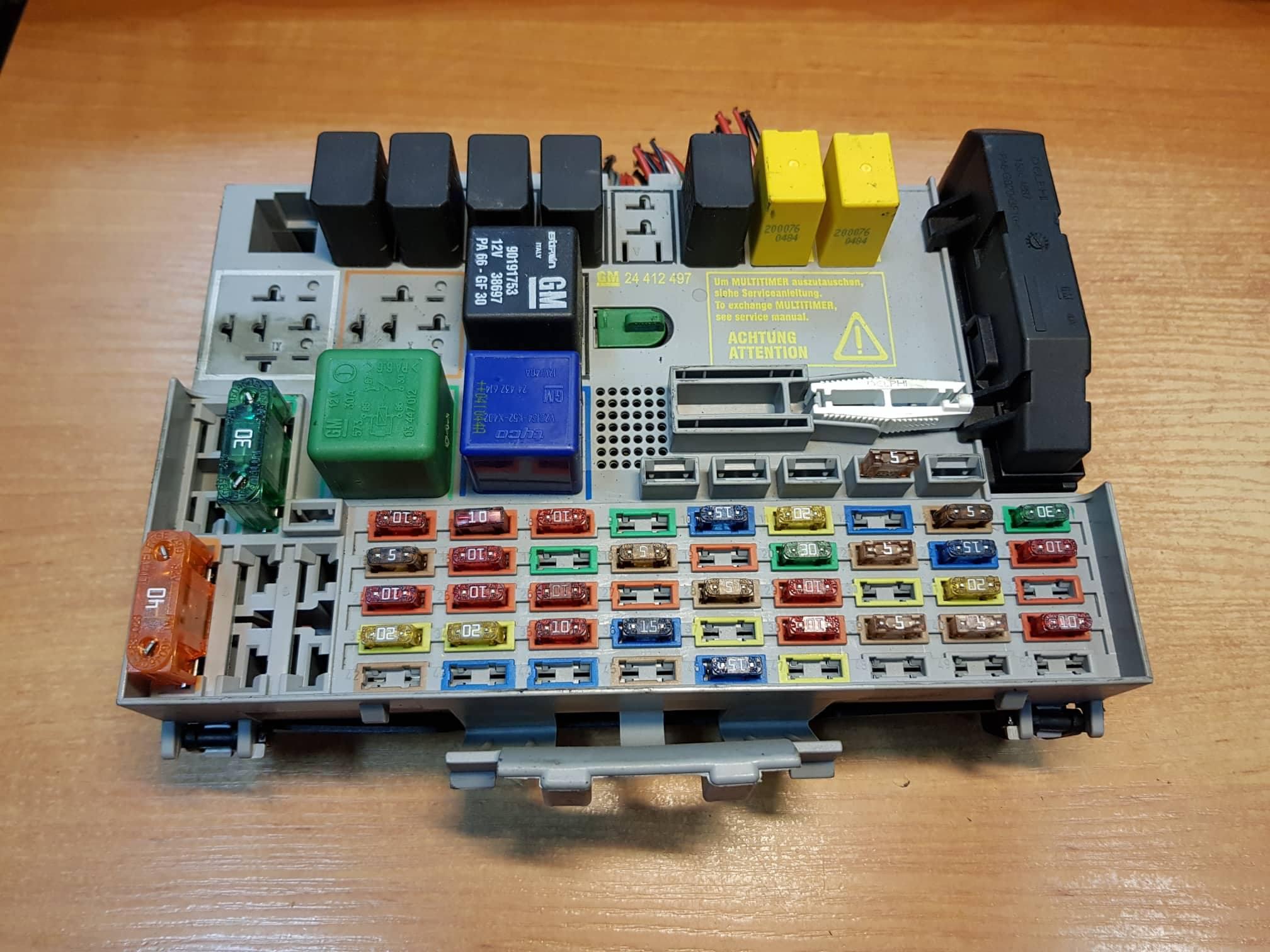 VAUXHALL ZAFIRA A FUSE BOX RELAY BOX 24412497, 24431677, 90191753, 24432680  - usedecus.comCatalog - usedecus.com