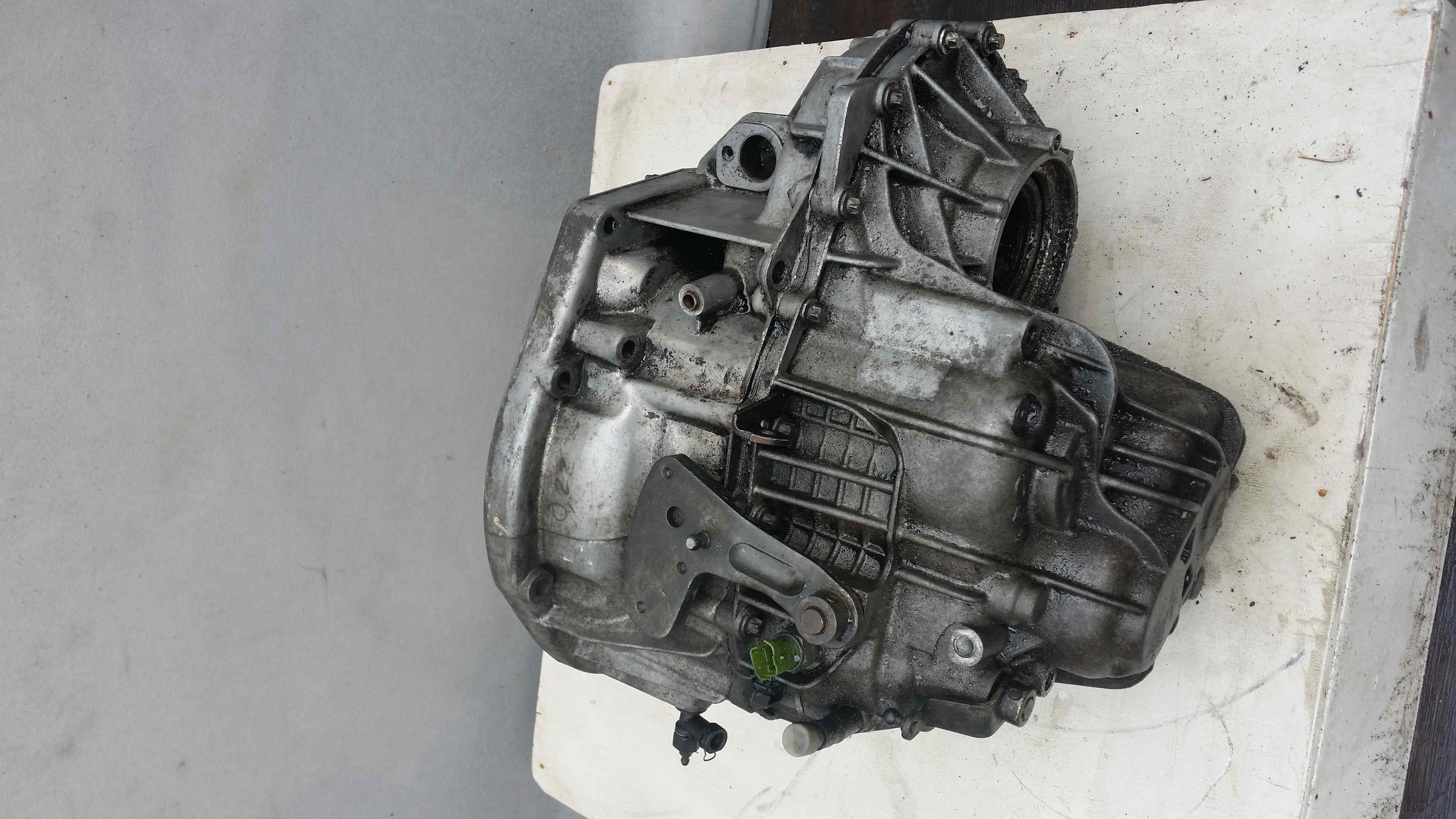 Manual Transmission Gearbox Renault Laguna 1.9dCi Diesel 88 KW F9Q  8200064493, C025581 (Article: 8200064493, C025581)