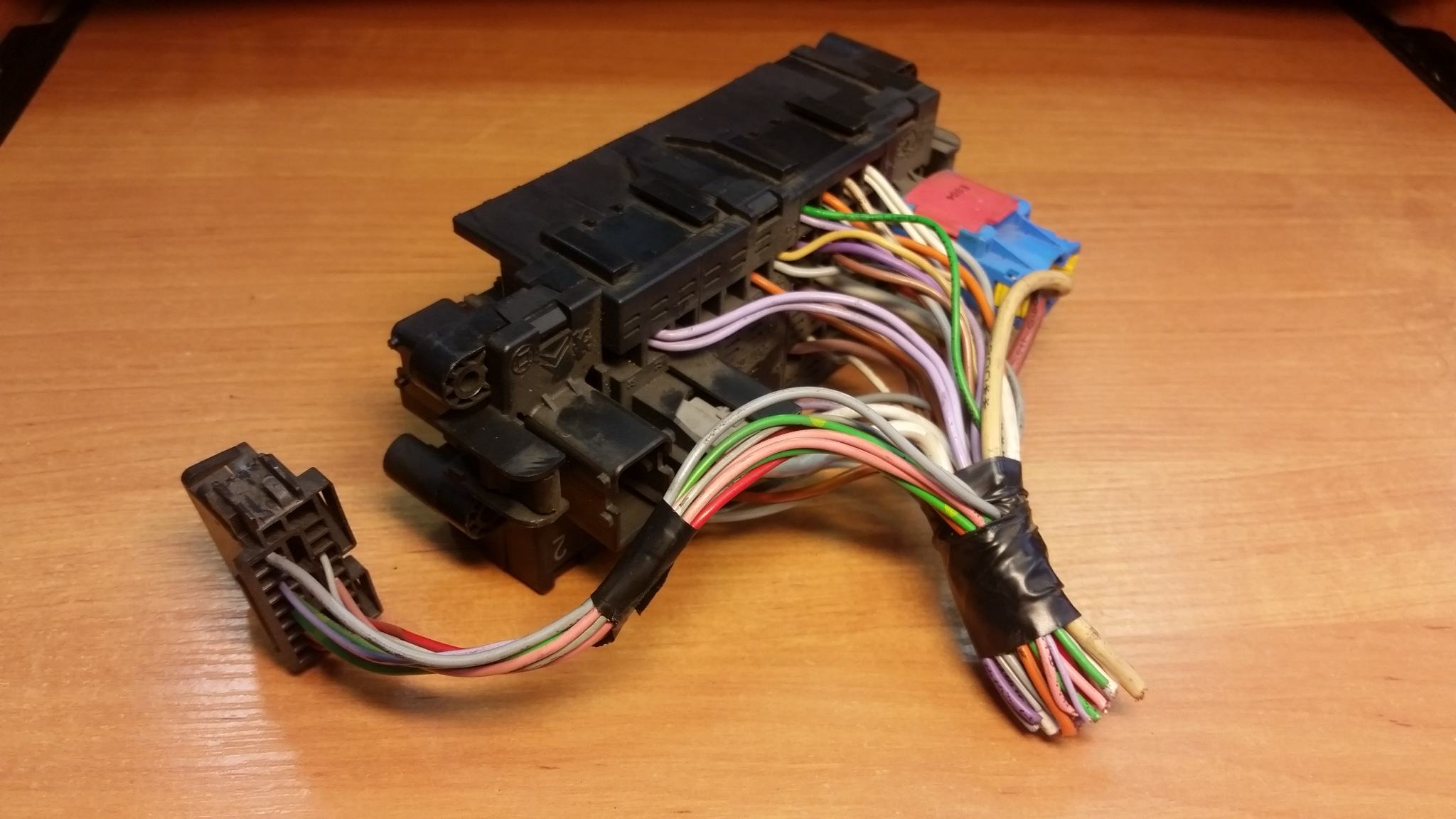 Peugeot Partner 2,0 HDI Fuse Box 9635518280 (Article: 9635518280)