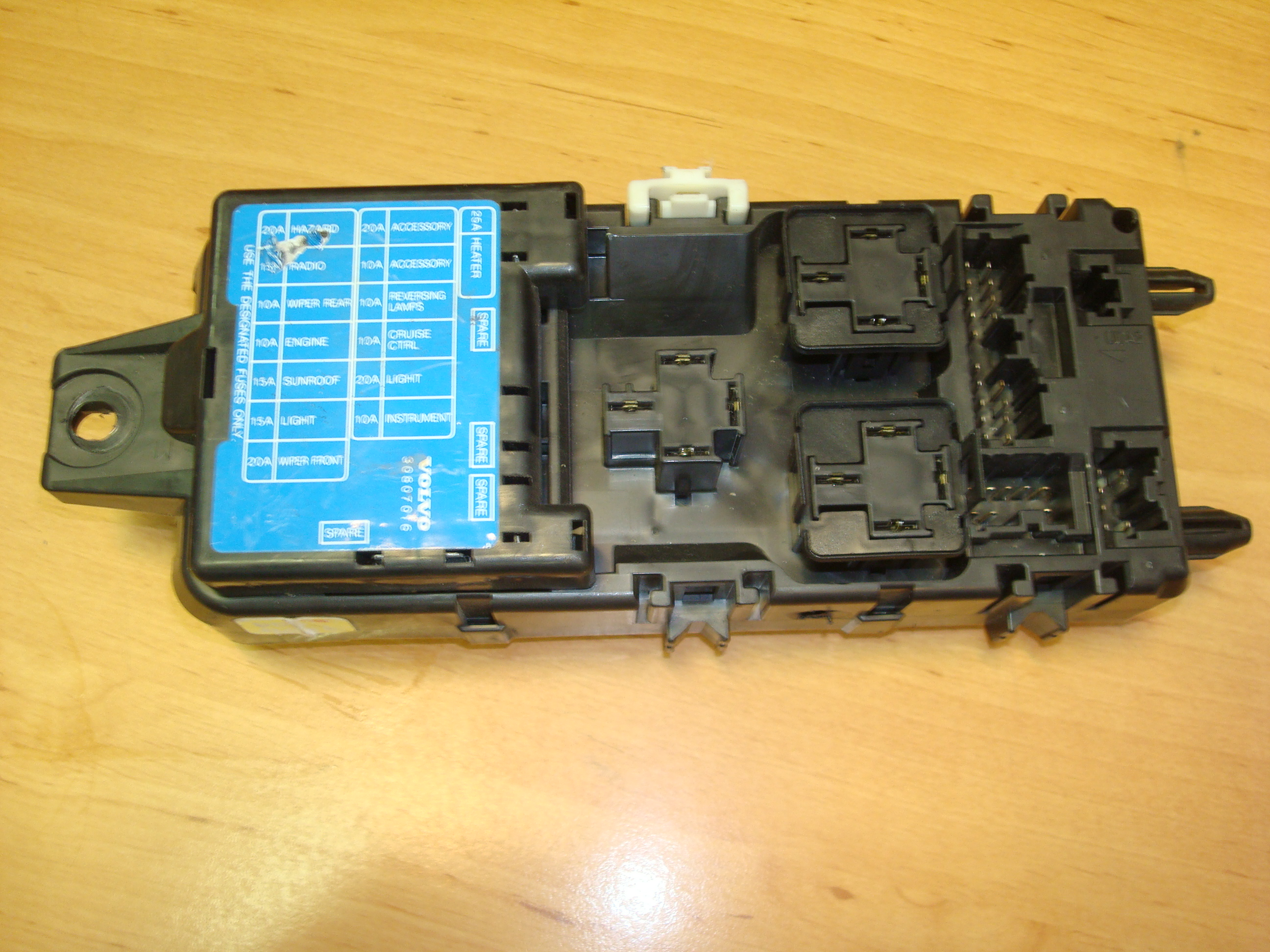 Volvo S40, V 40, Turbo Petrol, 2L, Fuse Box, 30807016 (Article: 30807016)
