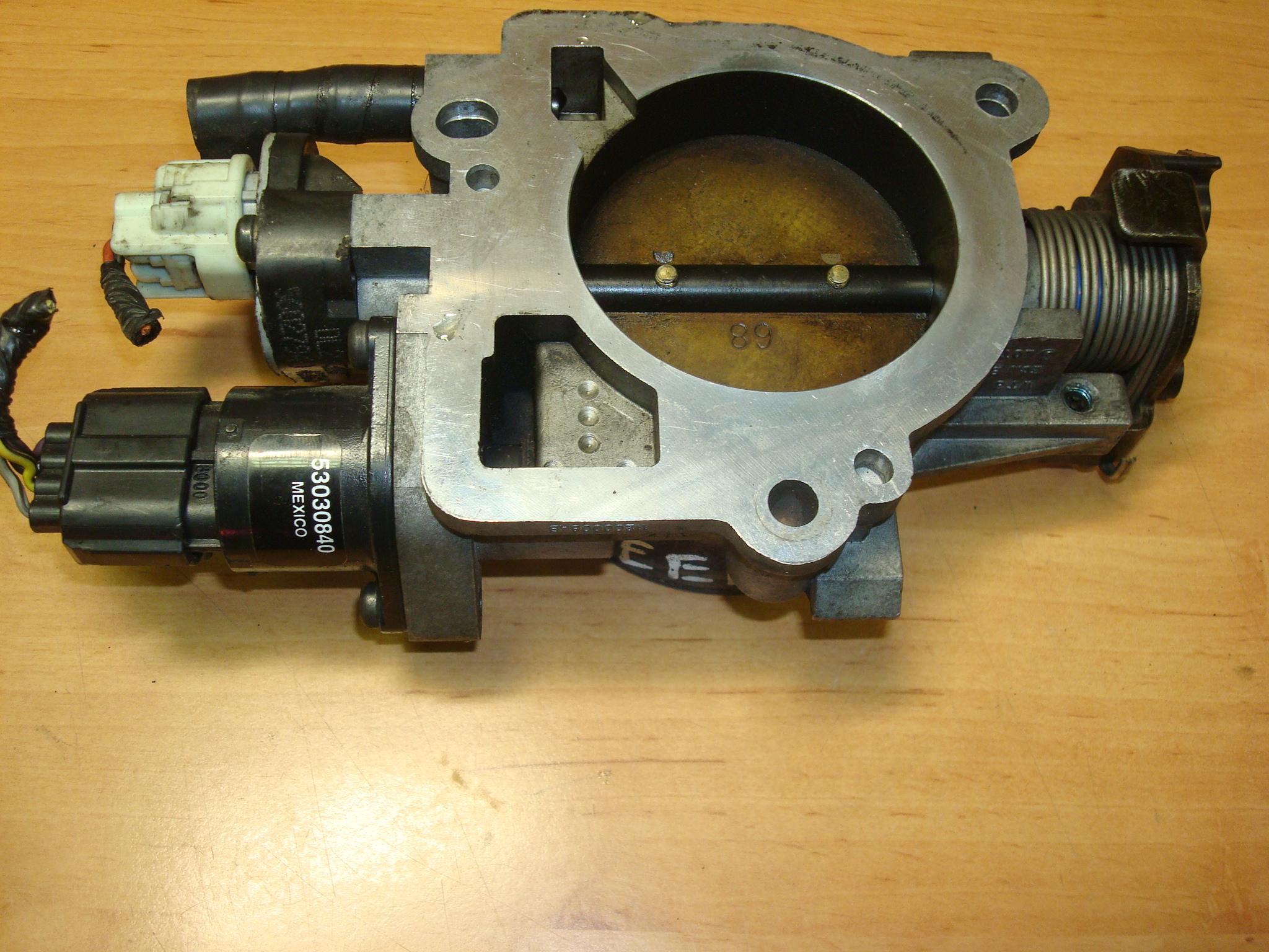 2004 dodge durango throttle body