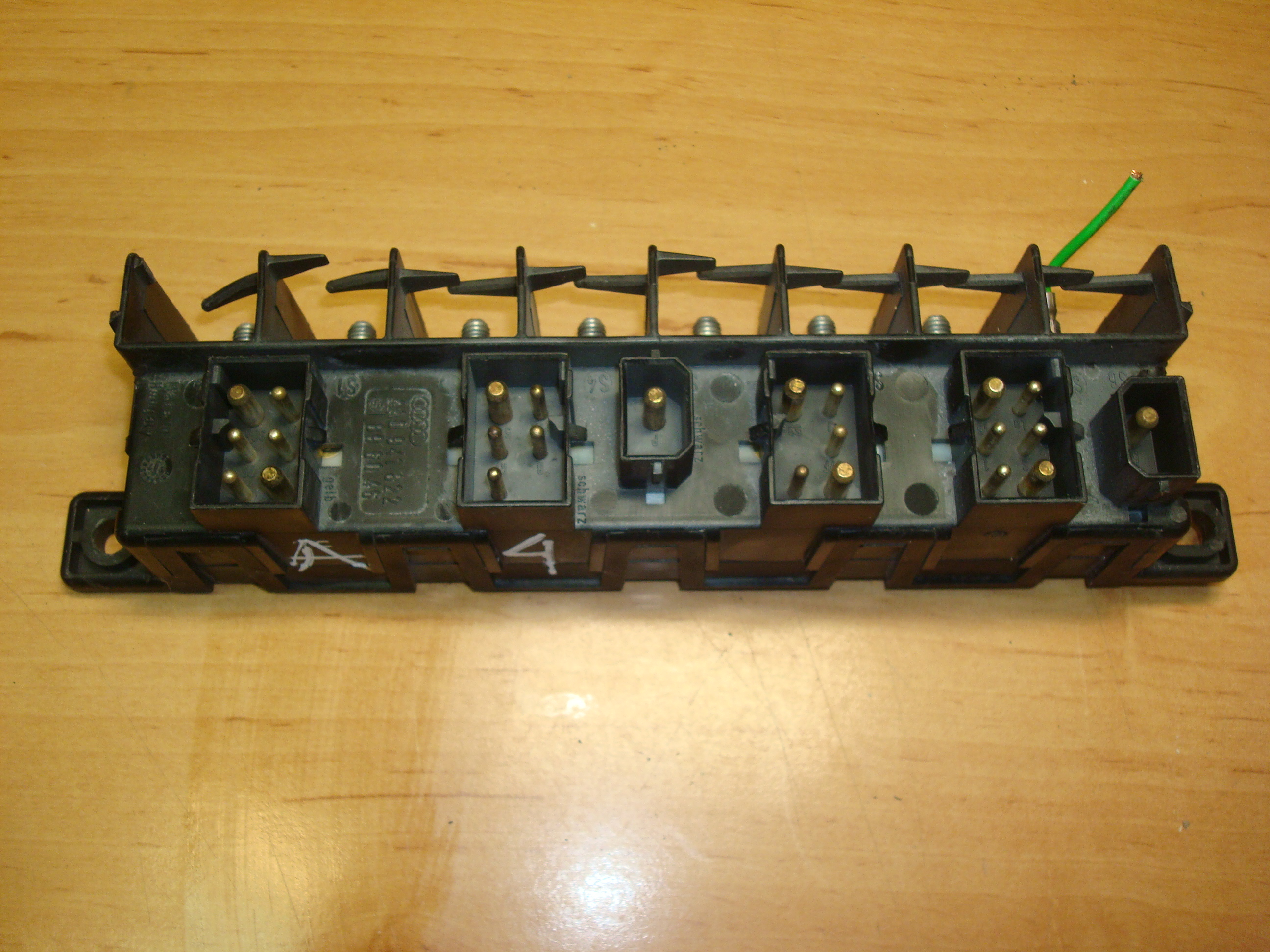 Audi A4 A6 Fuse Box Relay Plate 4a0941822 98 Article 4a0 941 822 89 60 46