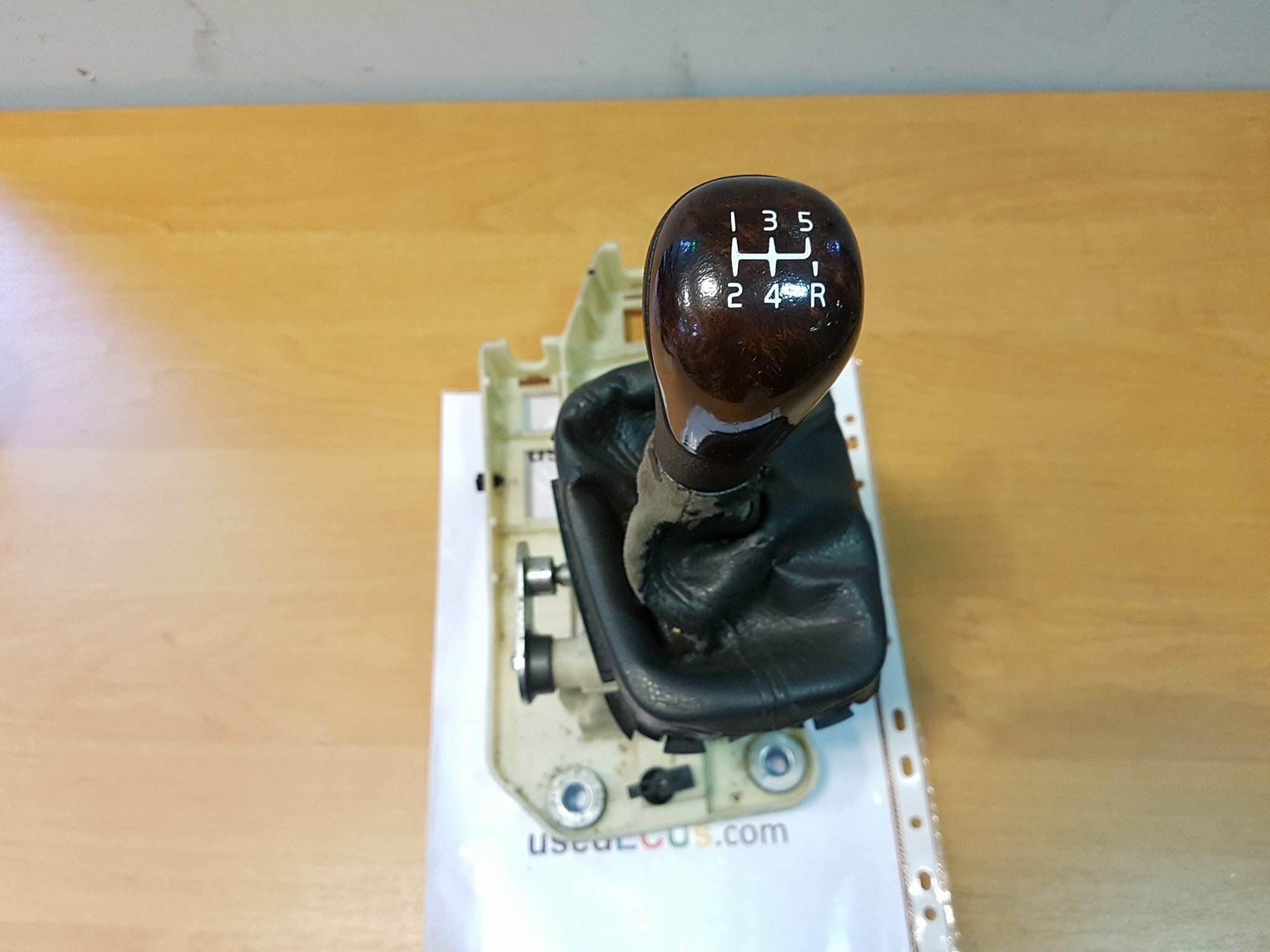 volvo s80 2004 manual gear stick lever shifter 8028100061 30646408 rh usedecus com 2004 volvo s80 repair manual 2004 Volvo S80 Interior