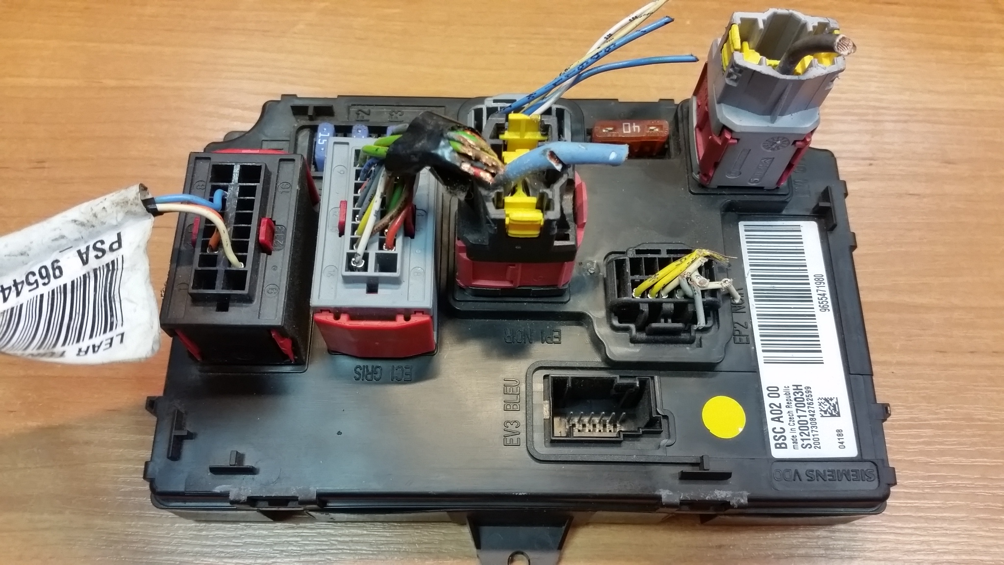 Fuse Box Location Peugeot 406 : Peugeot fuse box location wiring library