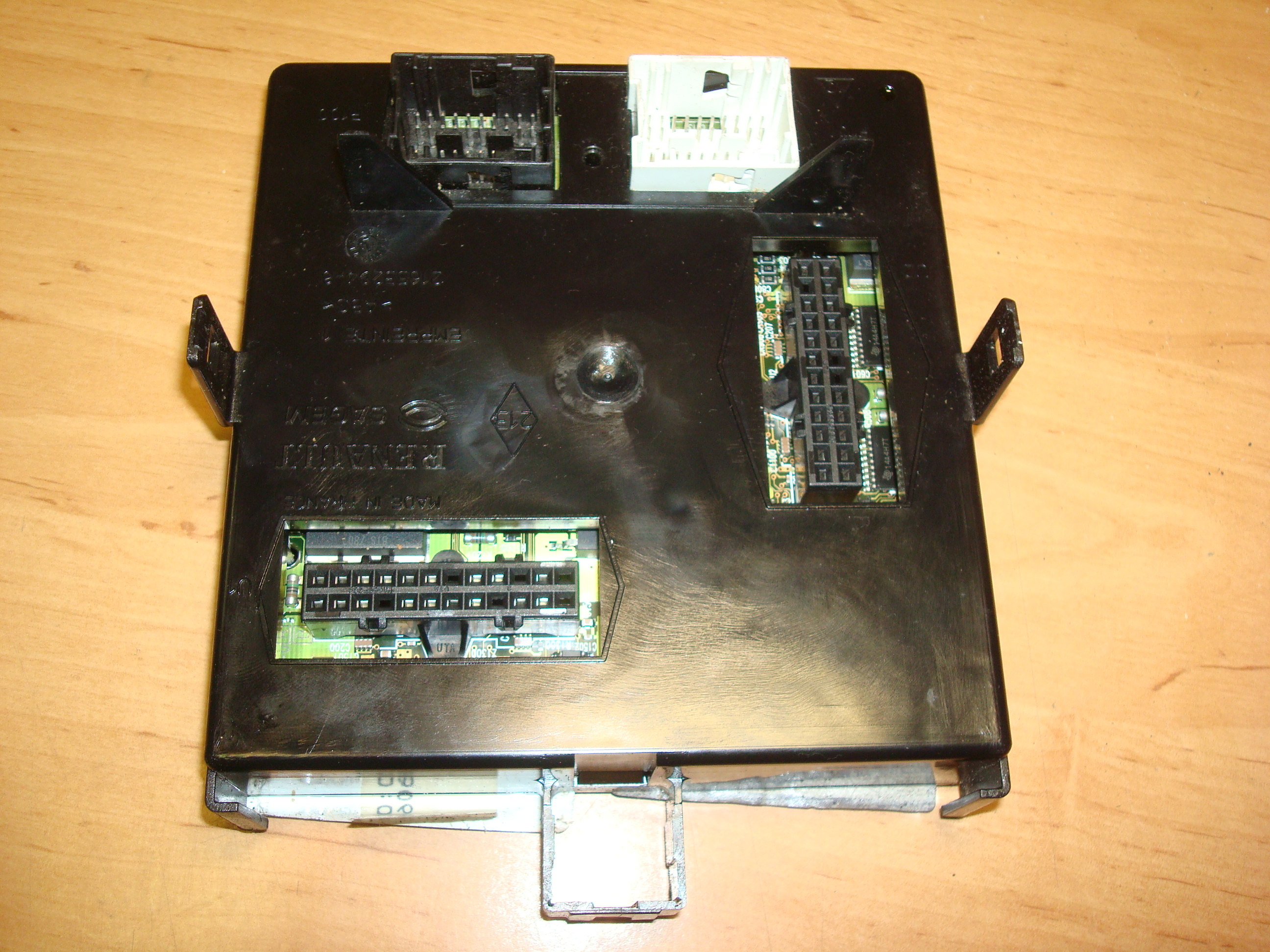 Renault Laguna 01 06 Fuse Box 21653295 1 21653294 8 Cover Article 8200171870