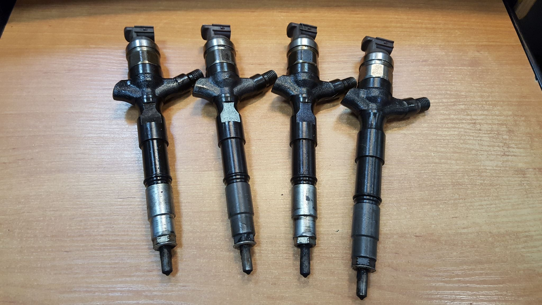 2013 TOYOTA HILUX 3 0 TURBO DIESEL 1 X DIESEL INJECTOR ( FROM 1KD
